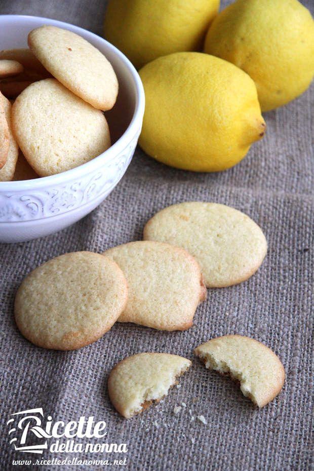 Biscotti al limone e all'olio di oliva ricetta e foto