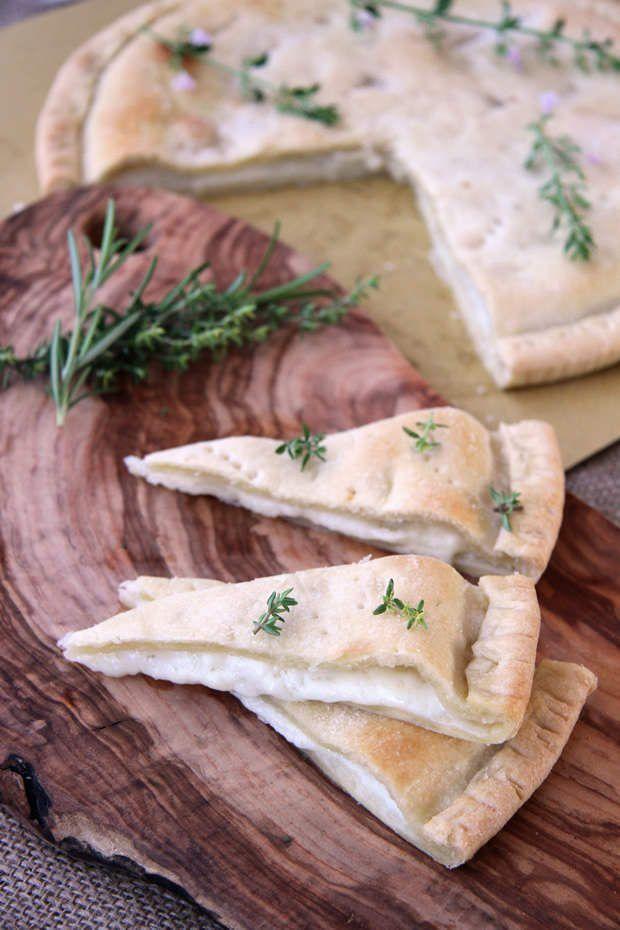 Focaccia al formaggio di Recco ricetta e foto