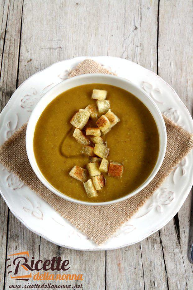 Minestrone di zucca, patate e lenticchie rosse