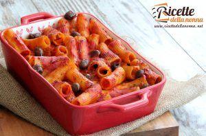 Rigatoni al forno piccanti con provola silana