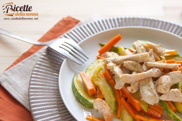 Straccetti pollo carote zucchine ricetta e foto