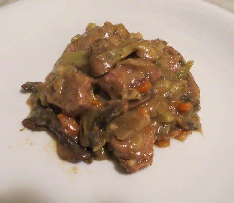 Stufato di manzo, carciofi e champignons ricetta e foto