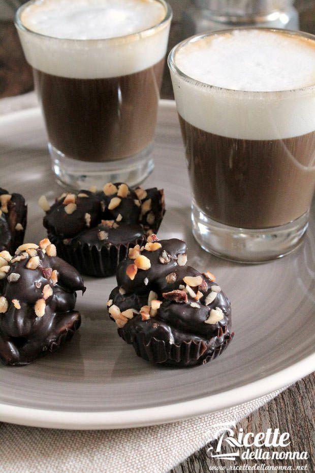 Mandorle al cioccolato ricetta e foto