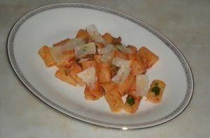"Mezze maniche con ragù di carne ""salada"""