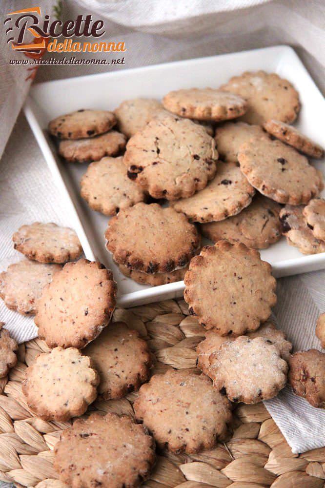 Biscotti integrali con gocce di cioccolato fondente ricetta e foto
