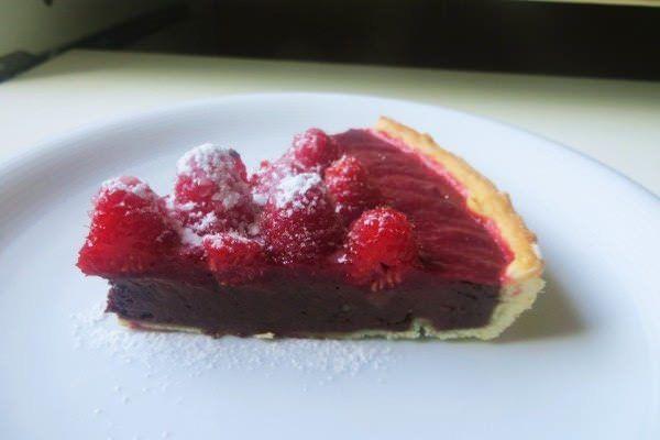 Crostata al cioccolato, geleè di fragole e lamponi