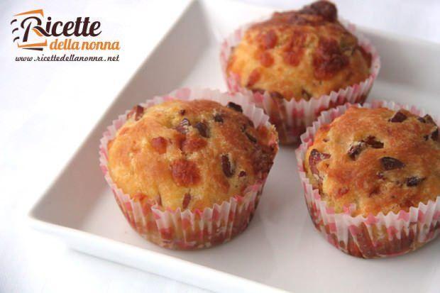 Muffin salati wurstel e provola ricetta e foto