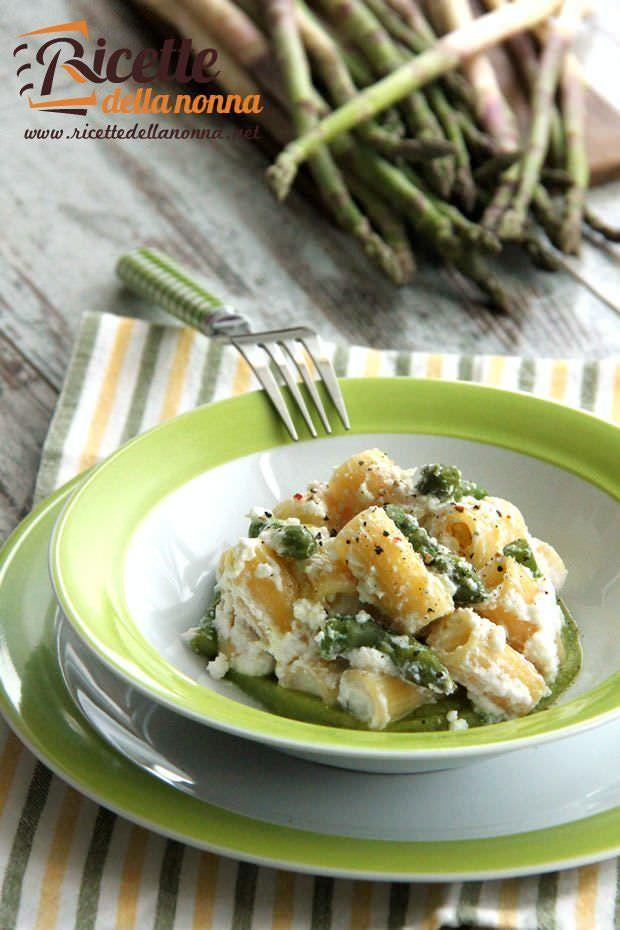 Pasta agli asparagi e ricotta ricetta e foto