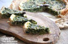 Torta salata sfiziosa con cime di rapa e olive rosatelle