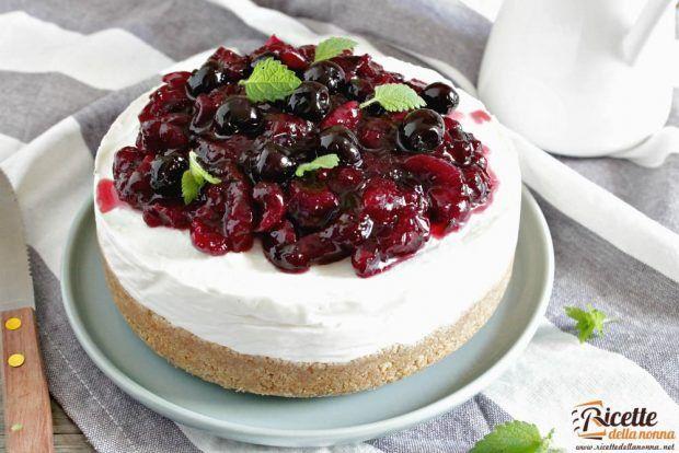 Cheesecake alla ricotta e ciliegie ricetta e foto