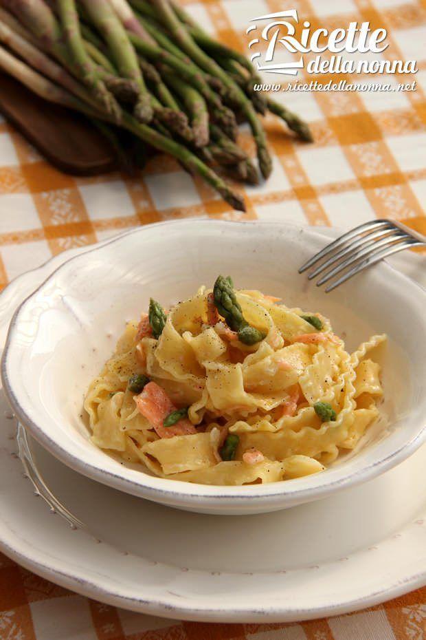 Pasta asparagi e salmone ricetta e foto