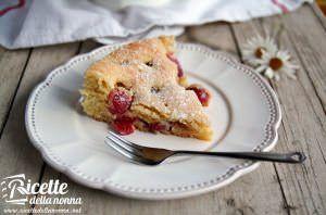 Torta morbida con ciliegie