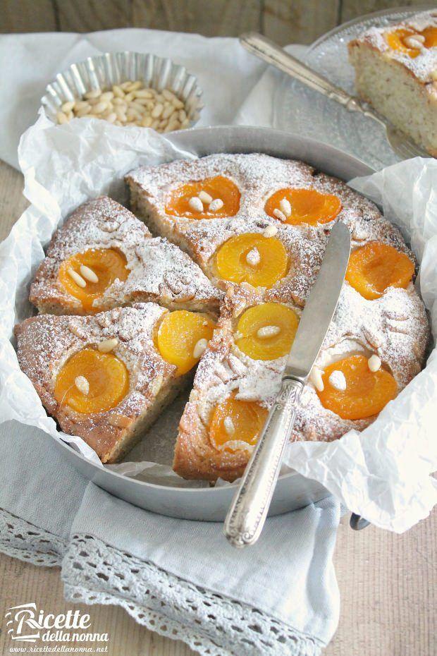 Torta albicocche pinoli ricetta e foto
