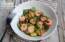 Insalata light di gamberi, zucchine grigliate ed erba cipollina