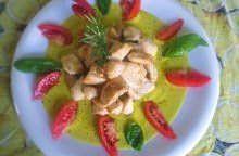 Petto di pollo rosticciato in salsa di peperone giallo