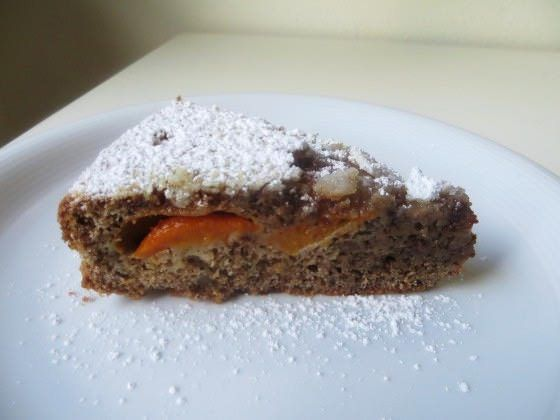 Torta di albicocche e noci ricetta e foto