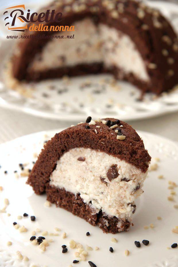 Zuccotto ripieno ricotta, cocco e cioccolato ricetta e foto