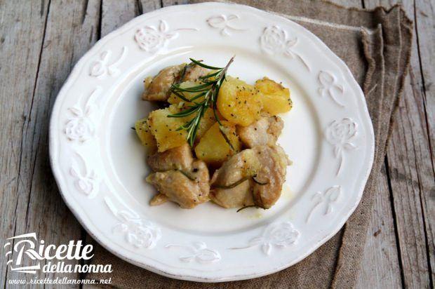 Bocconcini di pollo e patate ai semi di papavero
