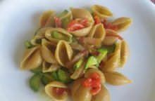 Conchiglie integrali con zucchine e curry