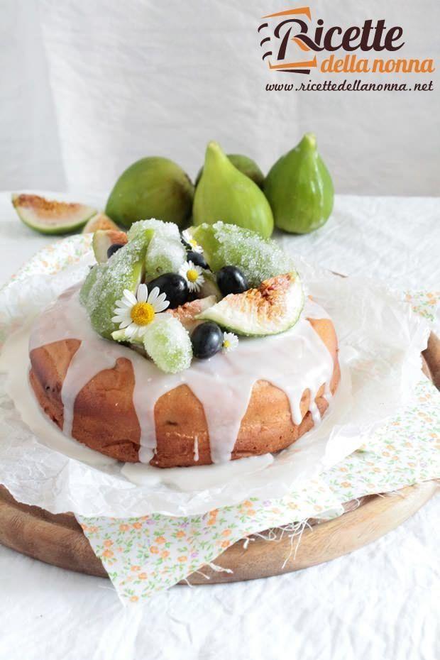 torta con fichi secchi e uva