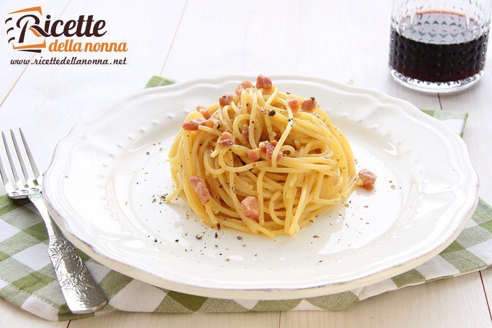 Ricetta pasta alla carbonara ricette della nonna for Spaghetti ricette