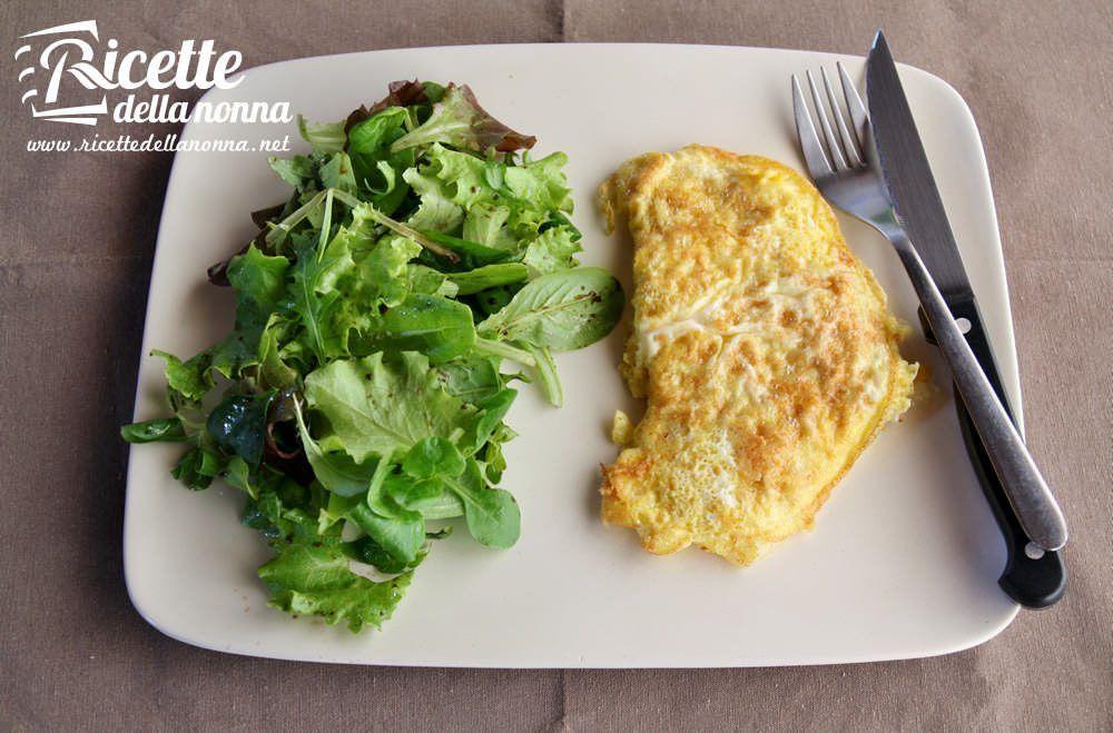 Omelette fiori di zucca e pecorino