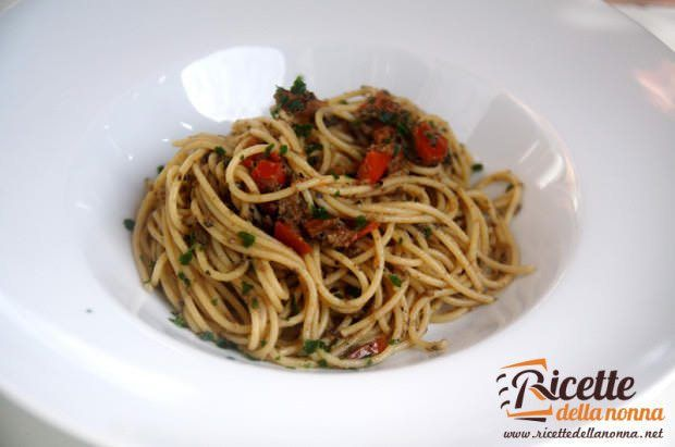 ricette spaghetti funghi olive