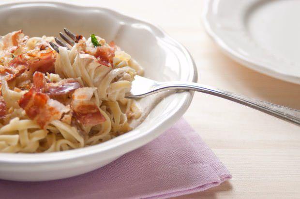 Tagliolini con sugo di castagne e pancetta croccante ricetta e foto