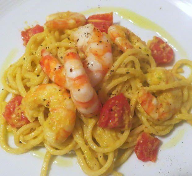 Spaghetti alla chitarra, fiori di zucca, gamberi ricetta e foto