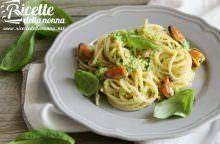 Spaghetti di grano saraceno con cozze e broccoli