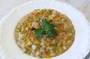 Zuppa di pane, verdure e vongole veraci