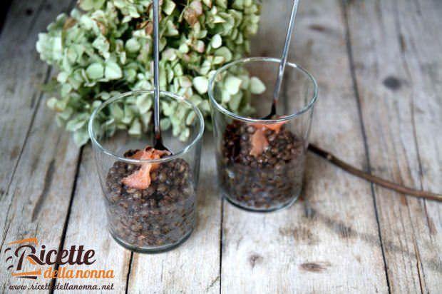 Insalata fredda lenticchie e salmone
