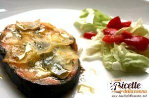 Medaglioni di salmone al forno con sfoglie di patate