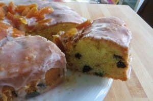 Torta di prugne e albicocche secche