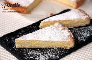 Crostata con crema di yogurt