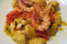 Gnocchi di zucca e patate con gamberi e curry