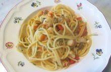 Spaghetti con gamberi e vongole