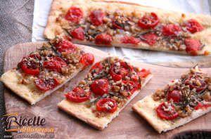 Focaccia ai pomodorini, noci e rosmarino