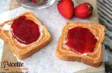 Marmellata (confettura) di fragole