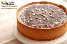 Crostata al cocco e mandorla con ganache al cioccolato