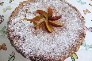 Torta meringata alle prugne
