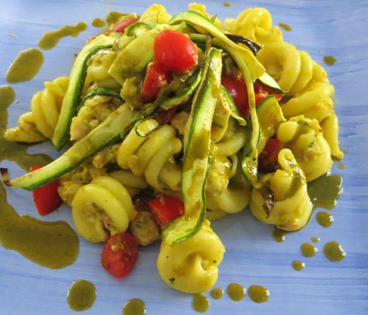 pasta corta di gragnano al sugarello, zucchine e fiori