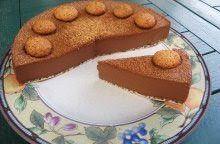 Bavarese al cioccolato, nocciole e amaretti