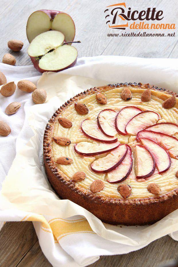 Foto torta alla crema di mele rosse