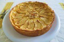 Torta di crema con mele