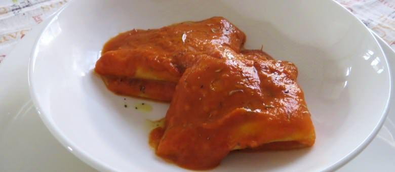 Crespelle al latte di soia in salsa piccante
