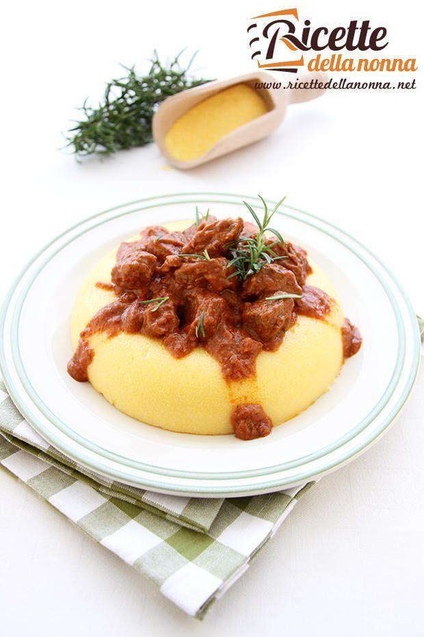Foto spezzatino con polenta