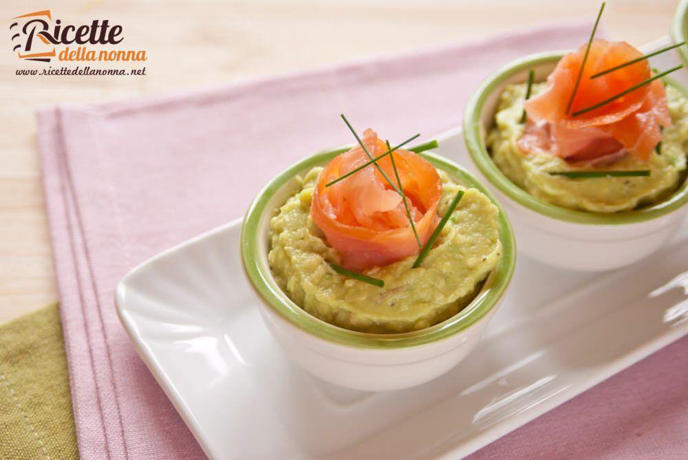 Antipasto di avocado e salmone ricette della nonna for Salmone ricette