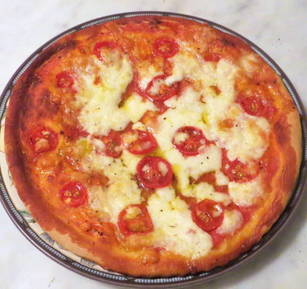 Pizza pomodorini e bufala ricette della nonna for Pizza con planetaria
