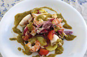 Gamberi, calamari e verdure